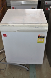 Dishwasher westinghouse 905 colour white with stainless steel interior auction 0011 5002682 for White dishwasher with stainless steel interior
