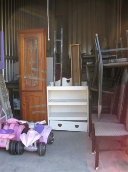 Entire Content S Of Overdue Storage Including Display Cabinet Nerf Gun Auction 0004 5020071
