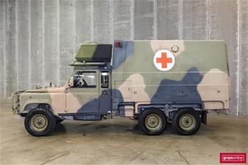Unreserved Ex-Military Land Rovers, Unimogs, Mack Trucks