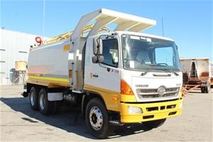 2009 Hino FM500 2627 6x4 15,000L Water T