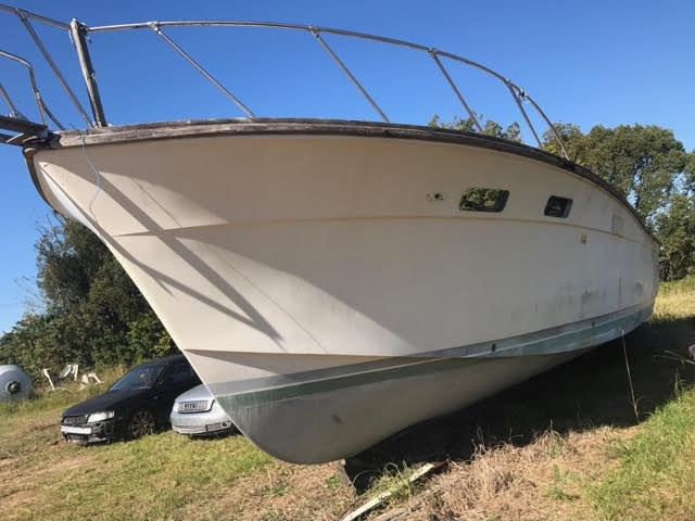 Chris Craft 38ft Fibreglass Boat (Bare Hull Only)