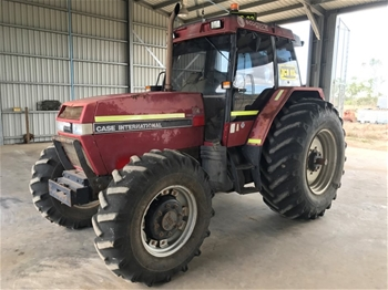 Case International 5130A Tractor