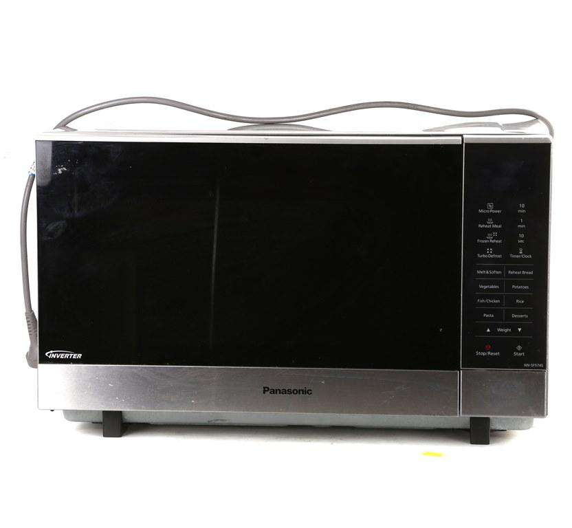 PANASONIC Stainless Steel Microwave Oven, Model NN-SF574S. (SN:CC15817) (26