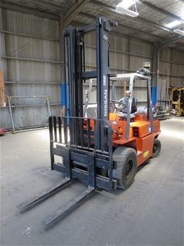Nissan UGF03 4 Wheel Counterbalance Forklift