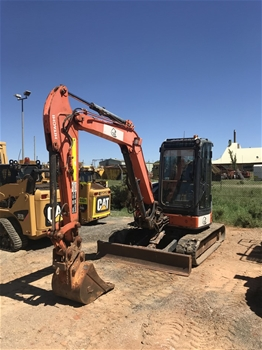 Hitachi 2x50U-3F Rubber Tracked 5T Excavator with Bucket