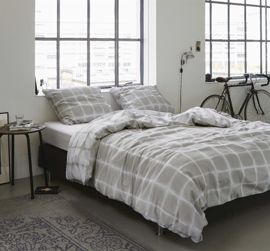 Printed Quilt Cover Set Beige/White Check - QUEEN