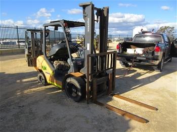 Komatsu FG30T-16 Forklift Truck