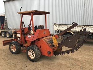 Ditch witch R30A trencher 4x4 (BALAKLAVA, SA)