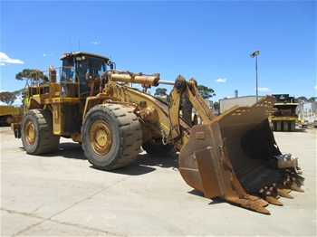 2x Caterpillar 988G 4x4 Articulated Wheel Loaders with Buckets