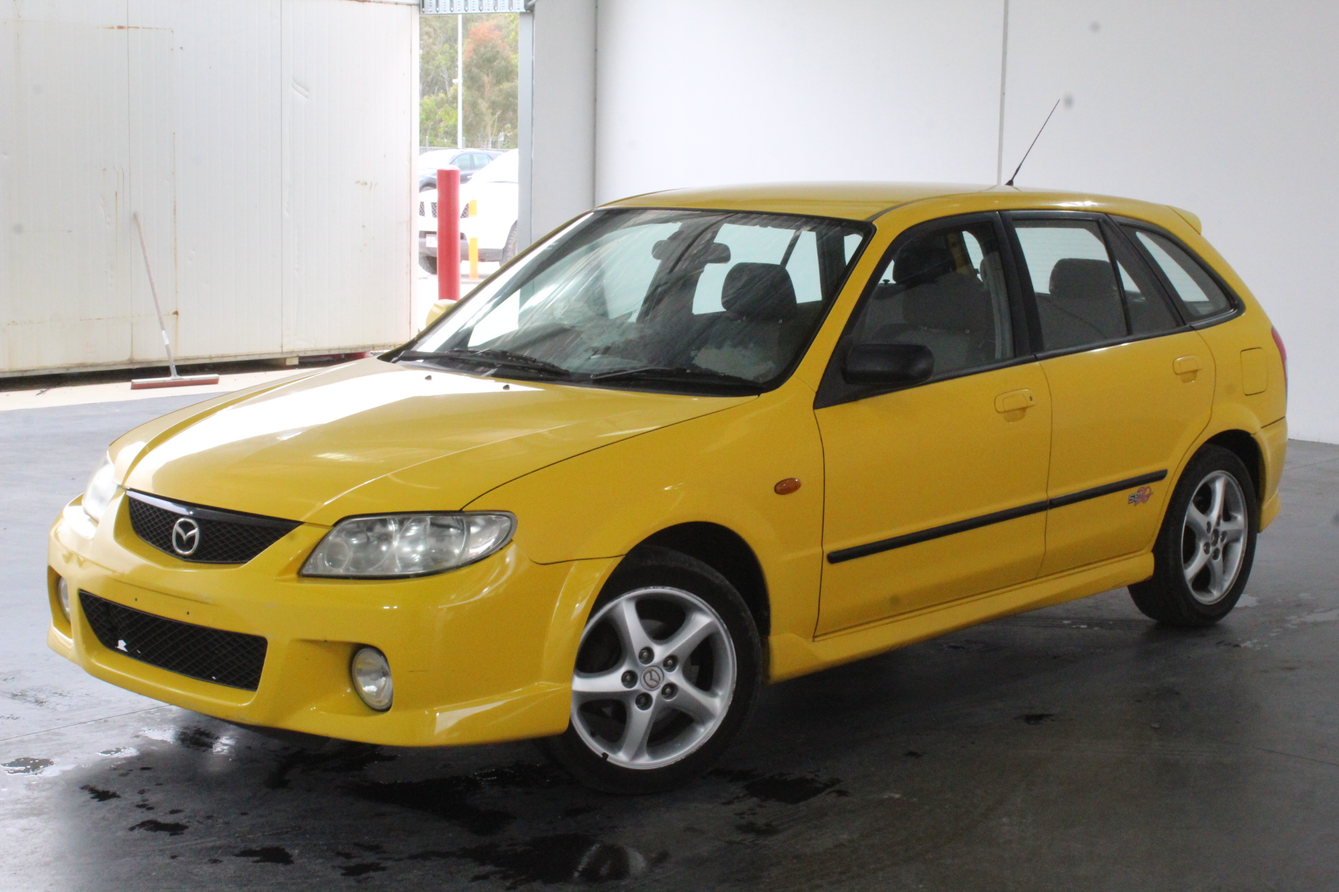 2001 Mazda 323 Astina SP20 BJ Manual Hatchback Auction (0001-3435107) |  GraysOnline Australia
