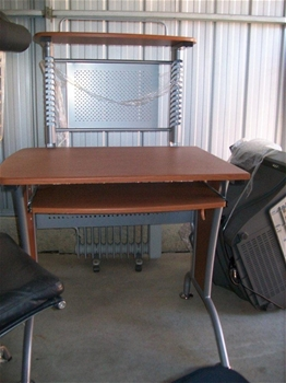 Entire Contents Of Overdue Storage Including 4 Seater Lounge Cushions Auction 0005 5004616
