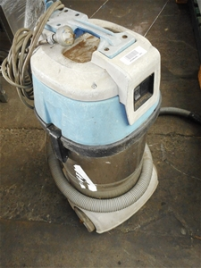 Unknown Mobile Industrial Vacuum Cleaner