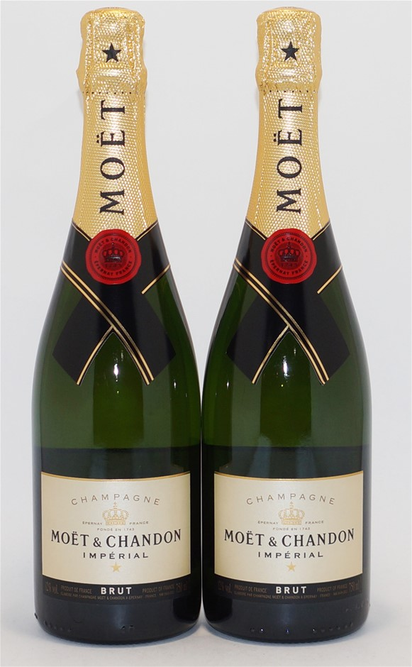 Moet & Chandon Brut `Imperial` NV (2 x 750mL), Champagne, France.