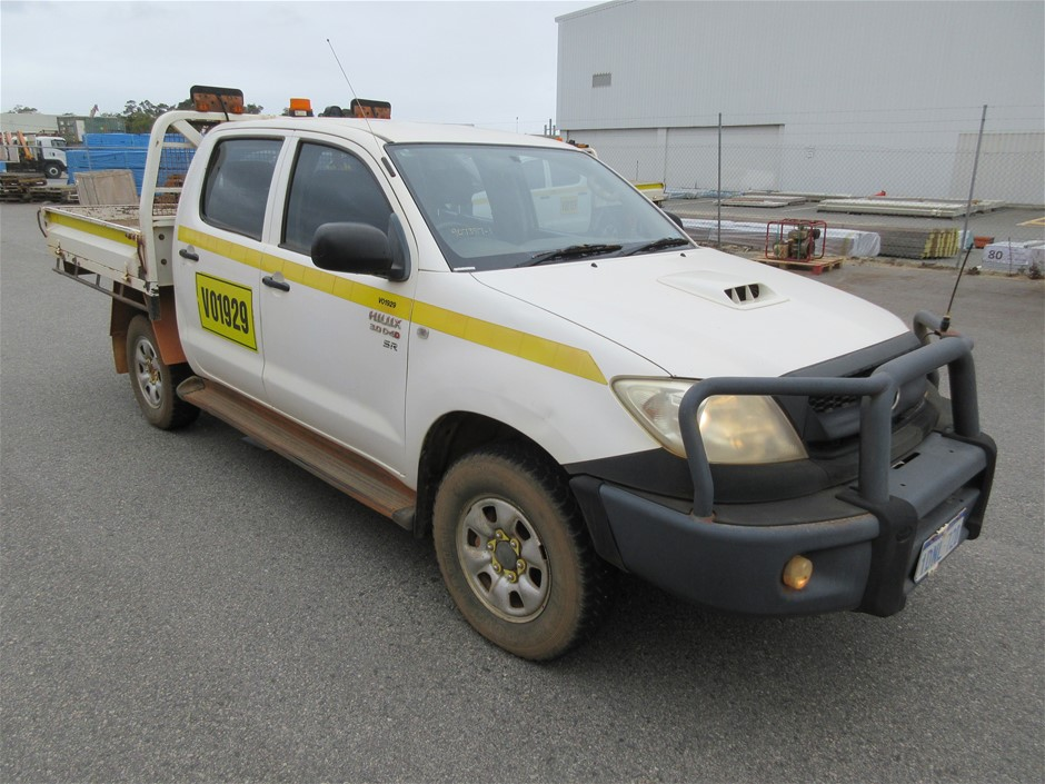 2010 Toyota Hilux SR 4WD Manual - 5 Speed Dual Cab Chassis