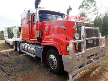 2003 Mack Titan CLR 6 x 4 Prime Mover Truck