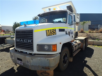 2000 Mack CH 6 x 4 Prime Mover Truck