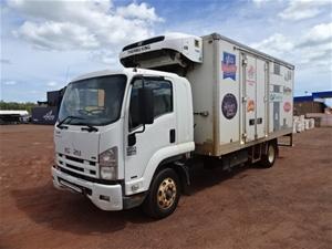 Isuzu FSR850 4X2 Refrigerated Body Truck