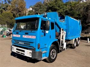 2007 veco Acco 2350 6x4 Side Load Garbag