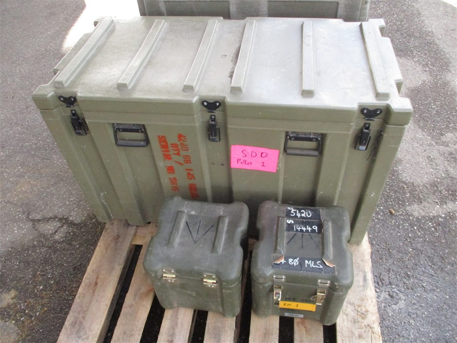 (Lot 725) 3 x Plastic Storage Boxes