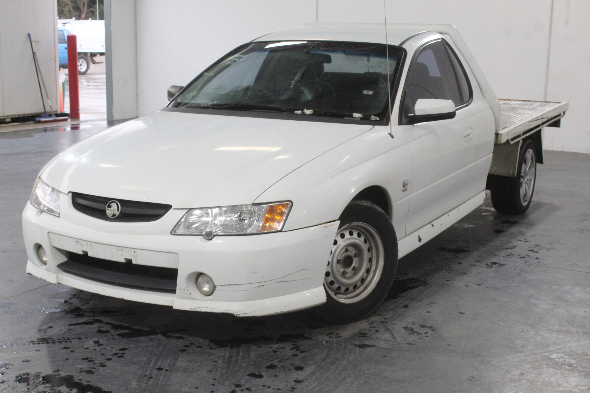 2004 Holden Commodore One Tonner Y Series Automatic Cab Chassis