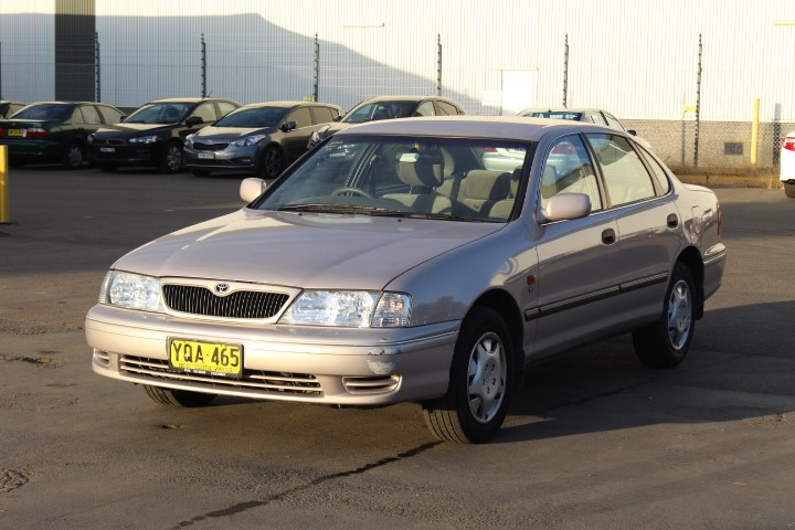 2001 Toyota Avalon CSX MCX10R Automatic Sedan 112,411km