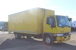 2000 Hino FC3J 4 x 2 Pantech Truck