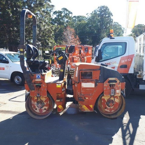 2-3t Roller Smooth - Double Drum - 2008 Dynapac CC102