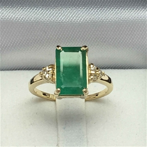 18ct Yellow Gold, 2.64ct Emerald and Dia