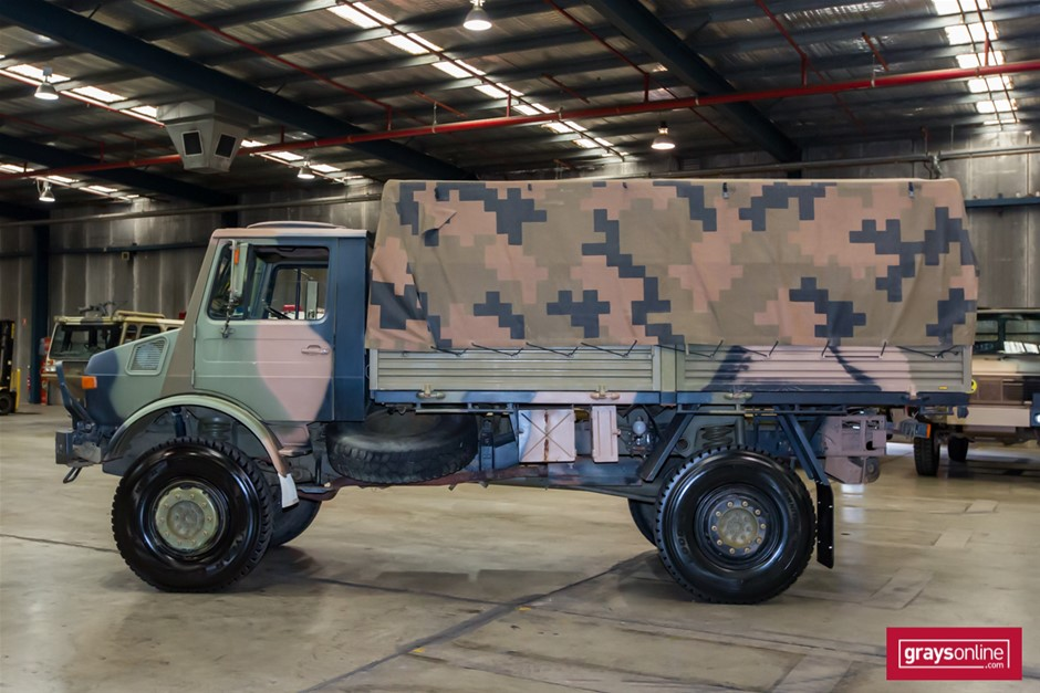 Mercedes Benz Unimog UL1700L Flat Top 4X4 Cargo Truck 09/1985