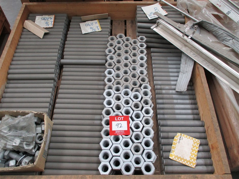 Pallet of Assorted Metal Bolts/Fittings