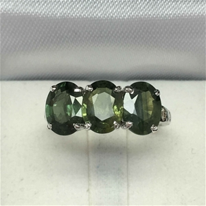 18ct White Gold, 5.44ct Green Sapphire a