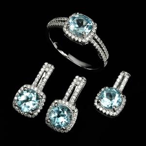 Stunning Genuine Blue Topaz Earring Ring