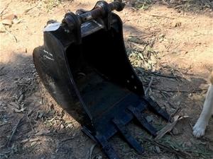 CAT Excavator Bucket - 450mm