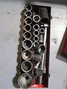 Socket Set 3/4 Inch In Case