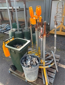 Amber Hazard Light Stands and Fencing Br