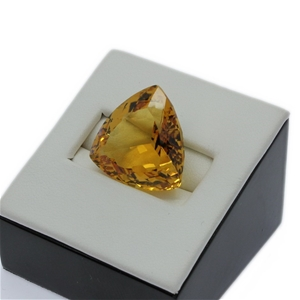 One Loose Citrine, 27.00ct in Total
