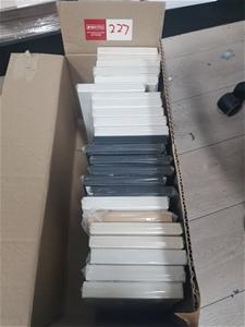 24 x Assorted colours DL Shape boxes