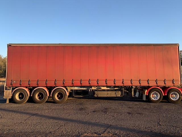 1991 Freighter ST3 Tautliner Triaxle Curtainsider Semi Trailer