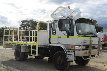2000 Hino FT 4 x 4 Tray Body Truck
