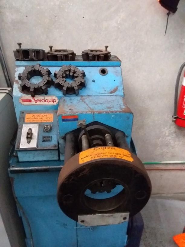 Aero Hydraulic Crimper 1/4 -1 - 1/4` Hose Crimper 5 Sets of Dies