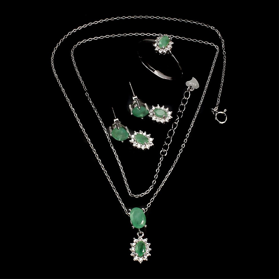 Superb Genuine Emerald Necklace Earrings & Ring Set.