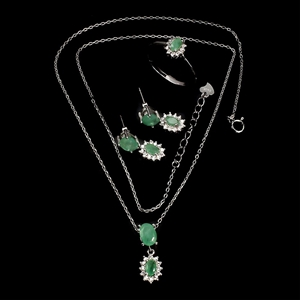 Superb Genuine Emerald Necklace Earrings