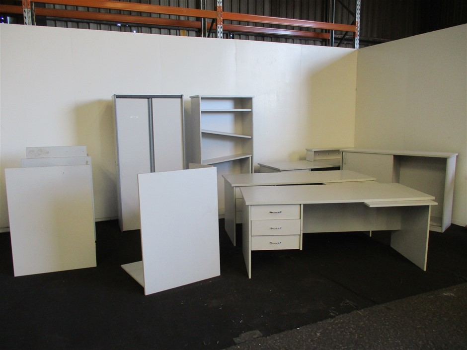Small Quantity of Assorted Office Furniture