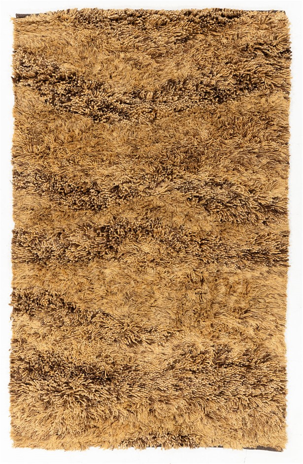 Pit Loomed Hand Knotted Shaggy Floor Rug Size (cm): 152 x 244