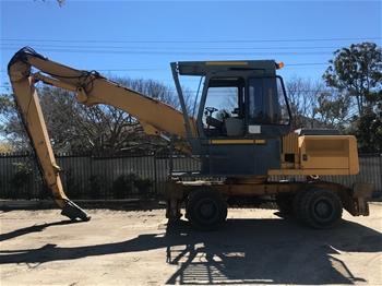 Liebherr Rubber Tyred Excavator / Scrap Metal Materials Handler