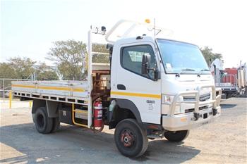 2012 Mitsubishi Canter 4 x 4 Tray Body Truck