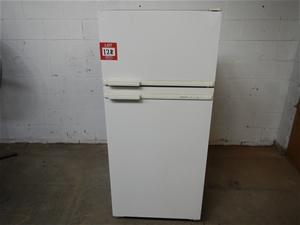 Admiral Cyclic 370 fridge freezer, 680mm