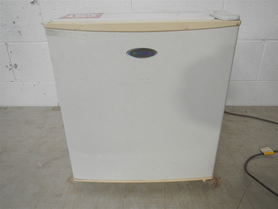 Daewoo bar fridge 440mm x 500mm