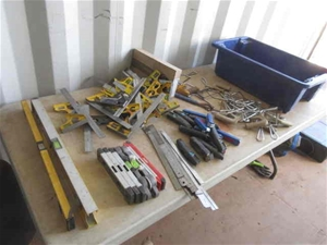 600mm x 400mm x 250mm Tub of Hand Tools