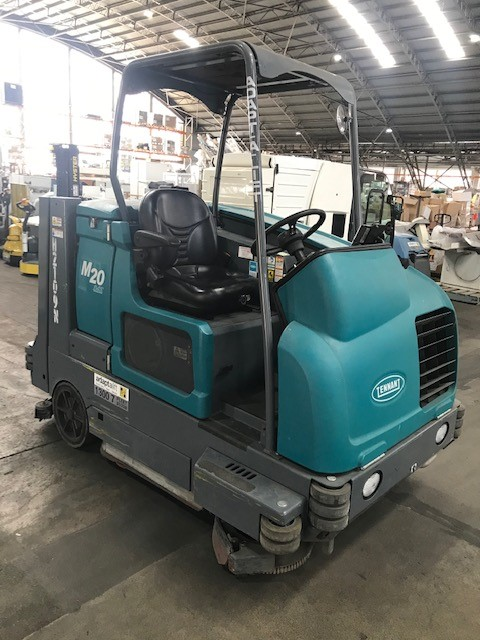 Tennant M20 Ride on Sweeper